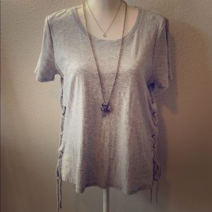 Gray short sleeve tee with side tie accents